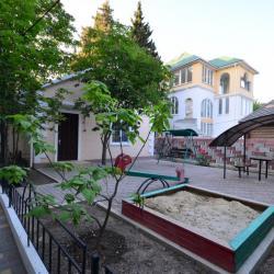 """пансионат """"Волга"""" в Канакской балке (Канака). Площадка для отдыха коттеджа 7В."""